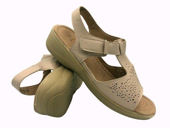 Obuwie medyczne sandały zdrowotne A12-26230 beżowe